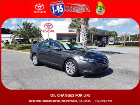 Pre-Owned 2017 Ford Taurus Limited FWD 4dr Car