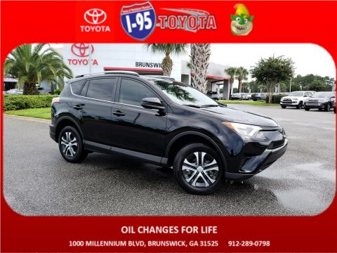 Pre-Owned 2018 Toyota RAV4 LE FWD Sport Utility