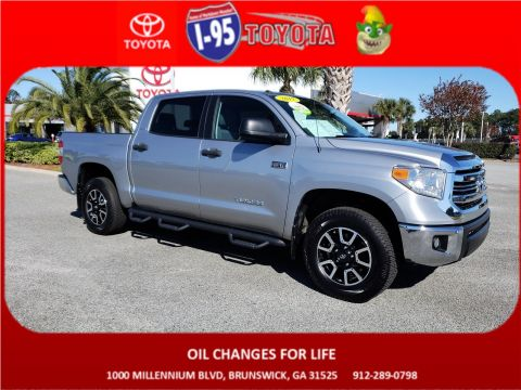 Pre-Owned 2017 Toyota Tundra 4WD SR5 4WD Crew Cab Pickup
